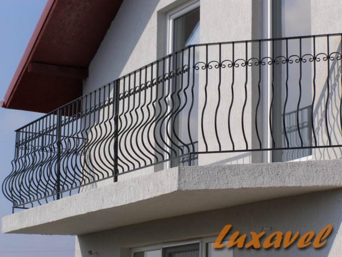 Luxavel construct balustrada din fier forjat model b065 for Modele de balcon din lemn